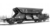 ARNOLD 9700 3-unit set self discharging wagons, OOtv, DR, with low top-box